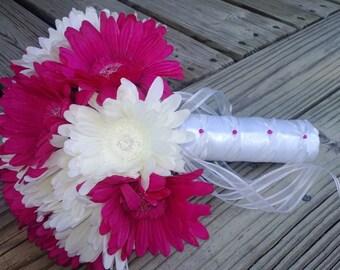 Fuchsia Daisy Bouquet Bridal Bouquet Wedding Bouquet, Fuchsia Bouquet, Fuchsia White Bouquet Fuchsia Silk Flower Bouquet Hot Pink Bouquet