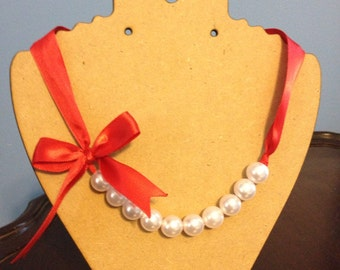 Red Pearl Ribbon Necklace