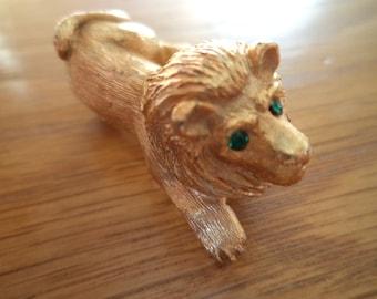 Vintage Signed JJ Rare Solid Goldtone Lion with Green Eyes Brooch/Pin