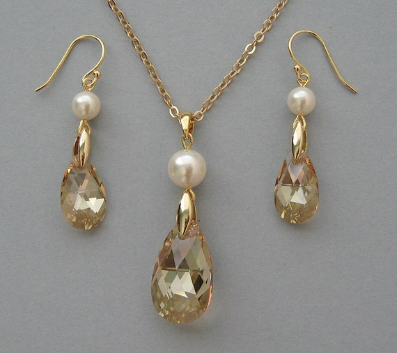 Genuine Swarovski Pearls & Swarovski Crystals in Gold Plated Necklace and Earrings -Bridal Set -Bridesmaid Gift - Wedding Jewelry Set -DK122