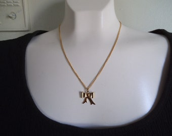 Vintage BOW NECKLACE and chain.