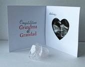 SURPRISE reveal 'we're expecting' scan photo envelope card for your Parents Mum Dad Brother Sister Aunt Uncle WHITE