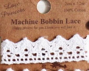 1.2 metres Machine Bobbin Lace-White Cotton Lace. Srapbooking. Gift Wrapping (Design 7)