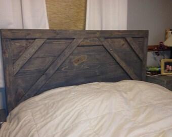 "Rustic gray wood headboard ""Jesse"""