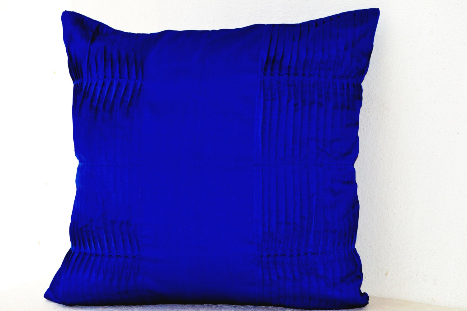 Decorative cushion royal blue pillow cover cotton silk throw for Royal blue couch pillows