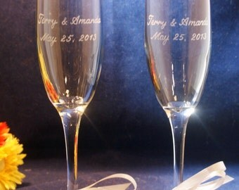 2 Personalized Wedding Champagne Flutes