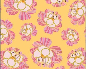 Fabric Blooms Cream 'Dreaming in French' Pat Bravo Art Gallery Fabrics