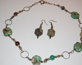 Vintaj green natural stones necklace and earrings