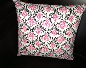 1 Square decorative pillow cover (22 x 22 or 24 x 24)