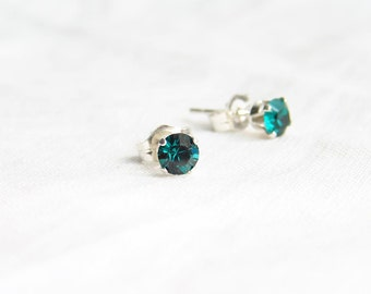 May Bithday. Emerald Green Earrings. Small Swarovski Stud Earrings. Sterling Silver Setting. Minimalist Jewelry. Simple Modern Jewelry