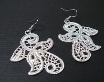 Lacy style dangle metal earrings