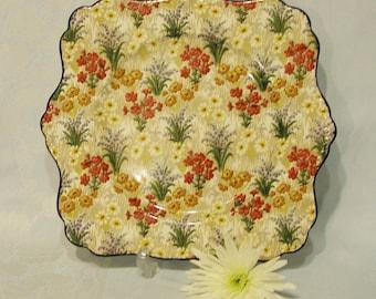 Vintage Royal Winton chintz Marguerite  Cake Plate, 1930s. CP013