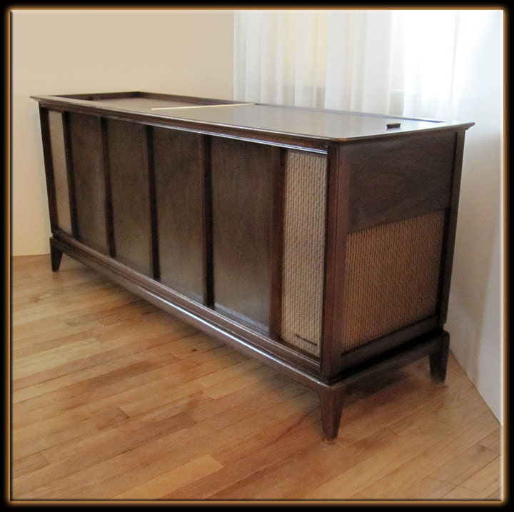 Mid Century 1960s Magnavox 5 Walnut Console Cabinet