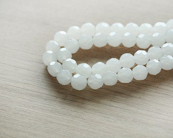 40 pcs of Round White Faceted Glass Beads  - 10mm