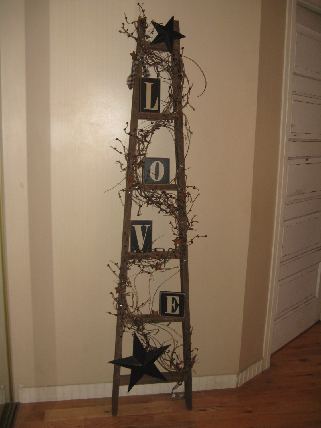 Apple ladder love blocks by coalcountrygathering on etsy for Decor ladder house