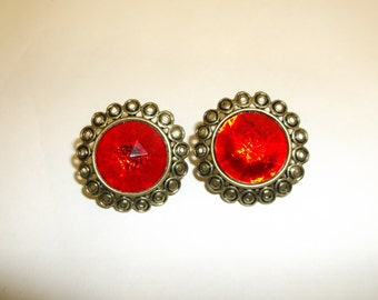 Vintage ruby glass earrings gold toned clip ons