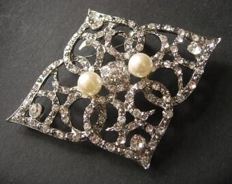 Victorian Bling Swarovski Rhinestones Crystals and Pearls Wedding Bridal Bridesmaids Brooch Pin