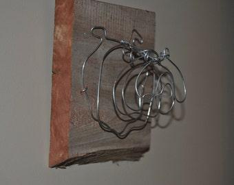 Mini Bulldog Head Wire Plaque