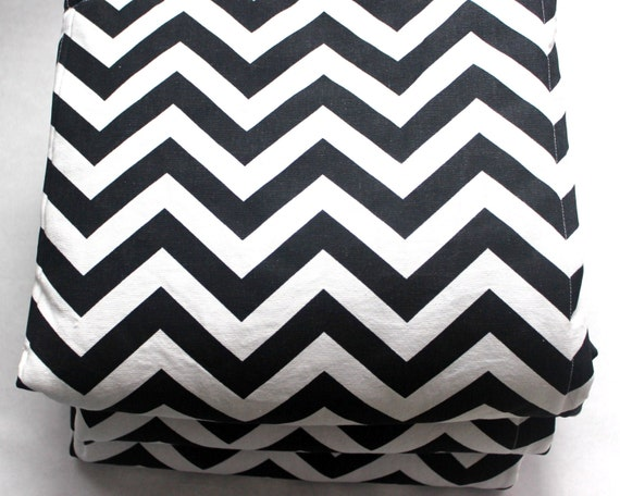 Waterproof Picnic Blanket-Black and White Chevron