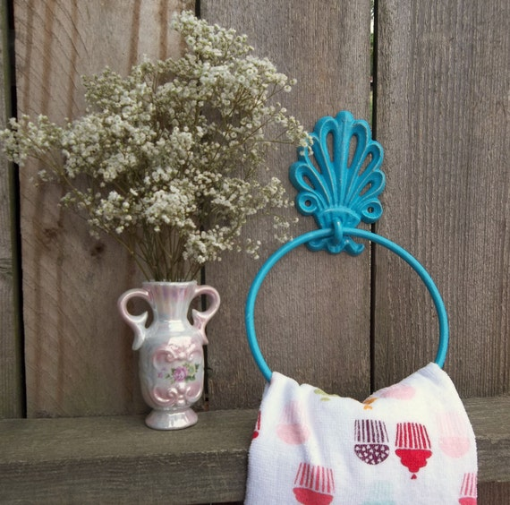 Towel holder aqua blue shabby chic home by thepinkpicketfence for Shabby chic towel stand