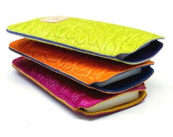iPhone leather case 6s colorful with contrast leather lining and kroko embossing