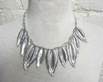 SALE! Vintage Late 1970s Silver Tone Tropical Leaves Statement Necklace Leaf Feather Tribal Native American Necklace Silver Chain Link
