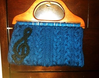 Knitted Plait Cable Purse with Treble Clef