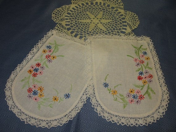 Vintage Hand Embroidered Doilies Or Sofa Arm Covers And