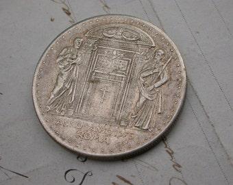 Vintage religious medal pope 1975 Roma anno santo  bronze medal roman roma gothic angel