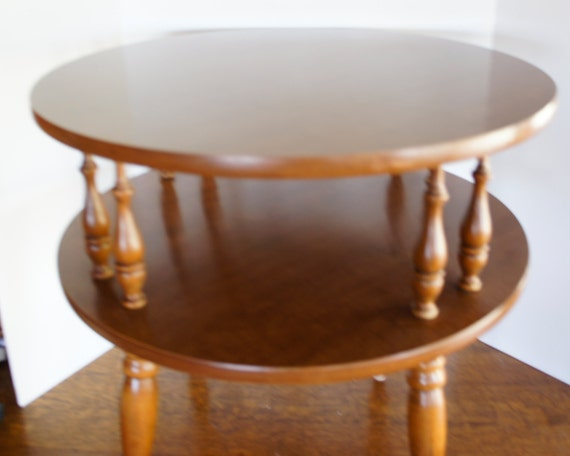 Vintage Round Wood End Table 2 Tier Colonial Drum Table Turned Legs Side  Occassional Table Spindlles