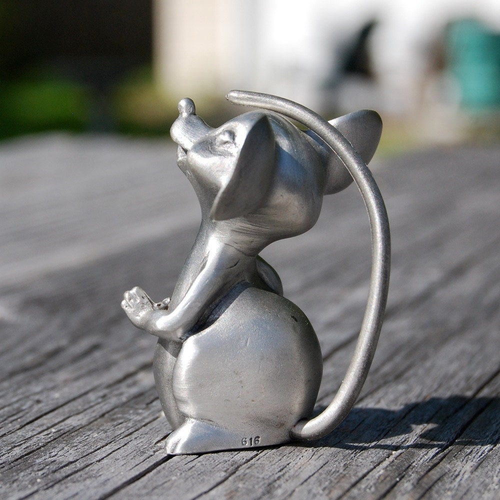 Hudson Pewter Mouse Miniature Vintage Mouse Tail Over His Head