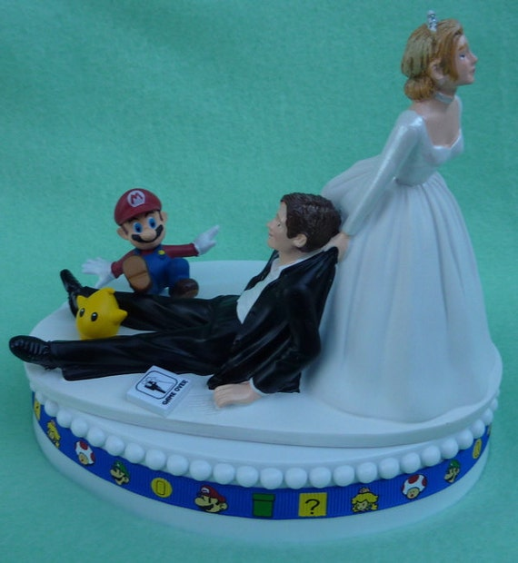 wedding cake topper mario video game player gamer gaming. Black Bedroom Furniture Sets. Home Design Ideas