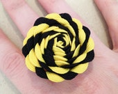 Pittsburgh Steelers inspired adjustable ric rac rose ring