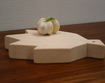 Maple Leaf cutting board /  Garlic chopping board