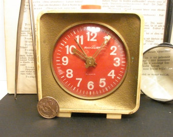 "Soviet Union Vintage mechanical Alarm clock  ""Jantar"" working - white with red dial / Home Decor"