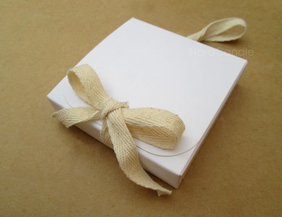 Wedding Favor Boxes White : White box gift wedding favor set of