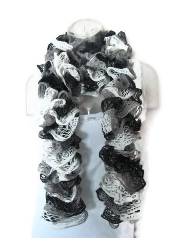 PATTERN for my Easy Crochet Ruffle Scarf Using Sashay Yarn