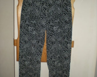 Flower pants, size M