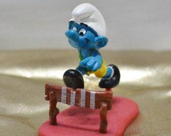 Vintage Hurdle Smurf - Super Smurf - 40511 - Sports Smurf