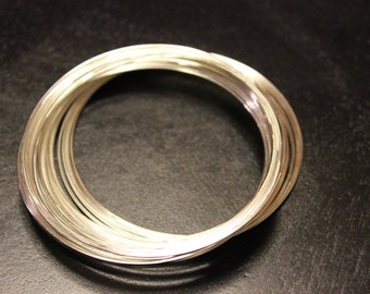 60 mm in diameter of steel memory wire for making bracelets, wire is 0.6 mm, makes about 50 circles, silver color, no clasp needed