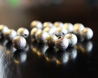 20 stardust beads, silver, 8 mm, hole 1.5 mm