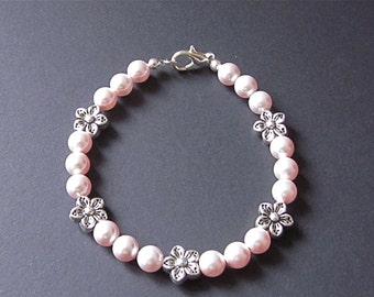 Girly Pearl Flower Charm Bracelet
