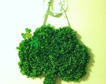 St. Patrick's Day Wreath for a door or wall decoration.