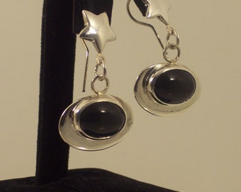 Oval Onyx  Earrings hand made with sterling silver and black gemstone, Dangle, Chandelier, Fashion accessory