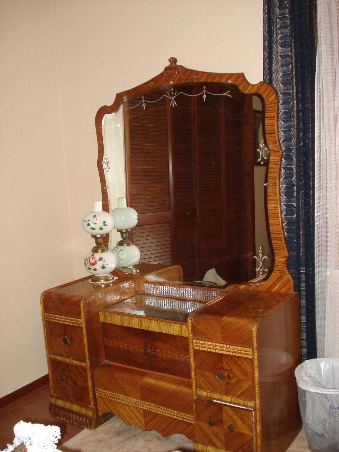 1950 Waterfall Bedroom Set