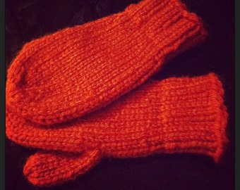 Child's size knit mittens