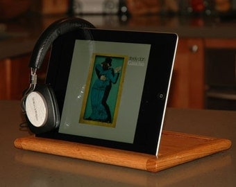 Hand Crafted iPad Stand (Maple)