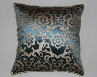 18 x 18 Inches Blue Decorative Pillows