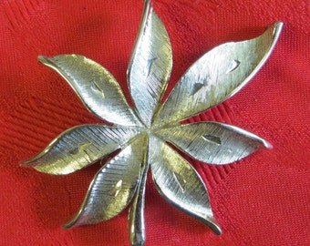 Nice Vintage JJ Silver Tone Leaf Brooch Pin - Free Shipping