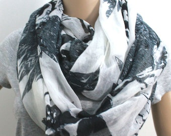Skull and Leaf Infinity Scarf
